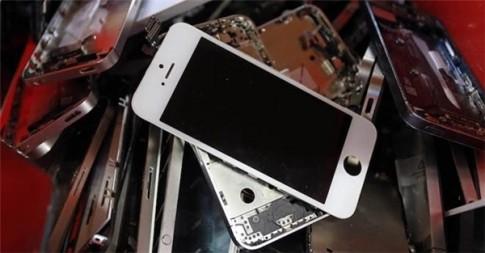"""Apple hốt cả tấn vàng nhờ """"rác"""" iPhone, Macbook đã qua sử dụng"""