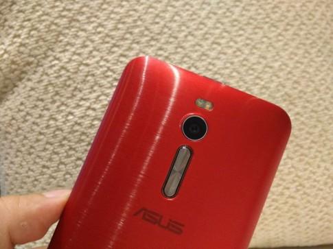 Asus Zenfone 2 có giá bán chính thức khá tốt tại Việt Nam, 15/05 có hàng