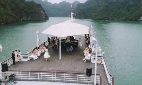 Bữa tiệc thời trang Lê Thanh Hòa trên du thuyền triệu USD
