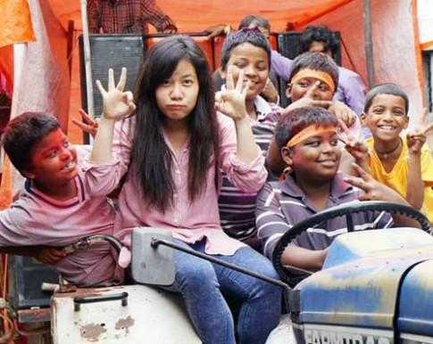 Cô gái Việt ngỡ ngàng với cách người Nepal dạy trẻ Tiếng Anh