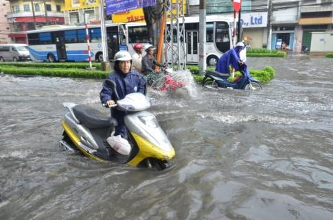 Đi xe tay ga, lỡ ngập nước thì cần phải xử lý làm sao?