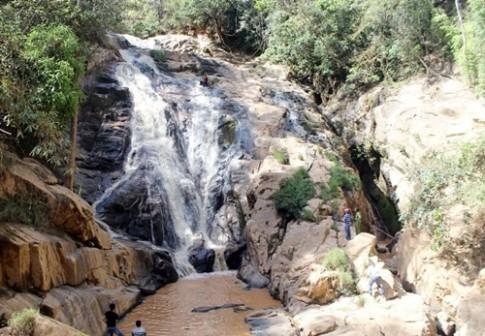 Du khách và hướng dẫn viên tử nạn khi vượt thác ở Đà Lạt