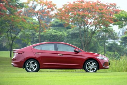 Giá ôtô ở Việt Nam tiếp tục giảm trong tháng 6