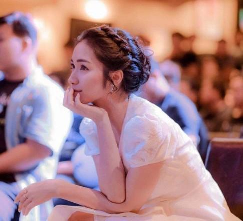 Hòa Minzy diện đồ nhái phiên bản lỗi váy cưới của Song Hye Kyo