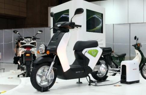Honda bán xe máy điện vào cuối năm nay