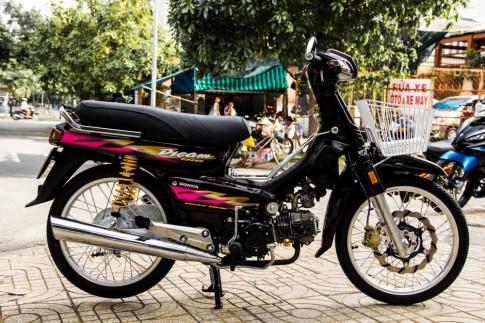 Honda Dream Lùn độ hàng hiệu của dân chơi Việt