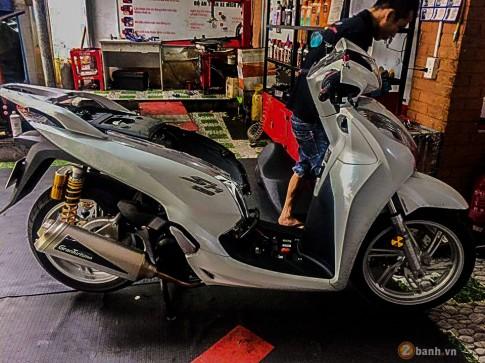 Honda SH300i 2016 trang bị nhẹ đồ chơi hàng hiệu
