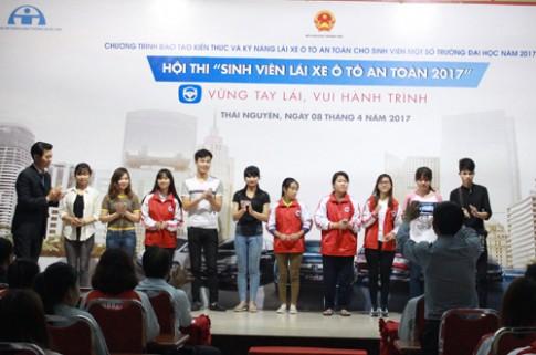 Honda Việt Nam đào tạo kỹ năng lái ôtô cho sinh viên