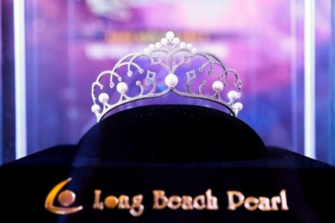 Long Beach Pearl chế tác vương miện và Tiara cho cuộc thi Hoa hậu Hoàn vũ