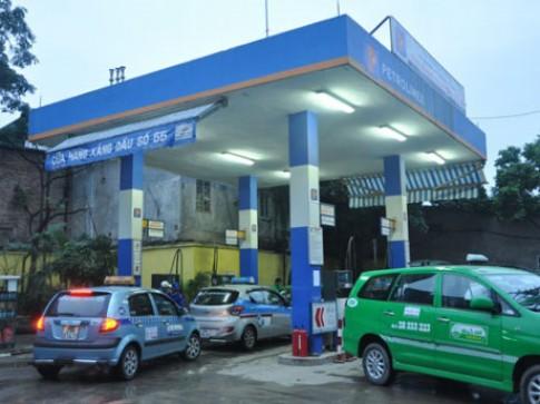 Mẹo đổ xăng: Nên mua xăng ở các cây xăng có nhiều lái xe taxi hay xe tải ghé vào