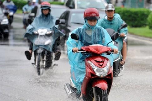 Mẹo hay khi chạy xe qua những đoạn đường ngập lụt