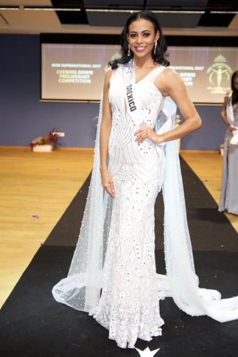 Người đẹp Mexico mặc váy của nhà thiết kế Việt ở Hoa hậu Siêu quốc gia
