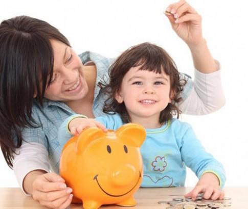 Những quy tắc mẹ cần nắm rõ khi dạy con về tiền