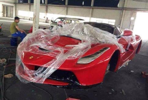 Siêu xe Ferrari LaFerrari hàng nhái giá 20.000 USD