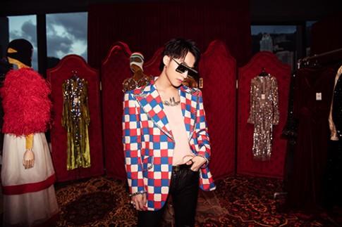 Sơn Tùng M-TP diện vest lấy cảm hứng từ Elton John