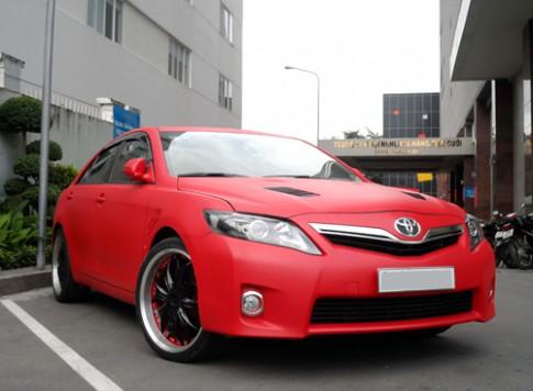 Toyota Camry độ đầy chất chơi ở Bình Dương