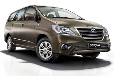 Toyota Innova Limited Edition giá 21.300 USD tại Ấn Độ