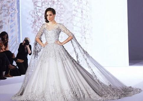 Vợ tương lai của hoàng tử Anh mặc váy cưới 100.000 bảng