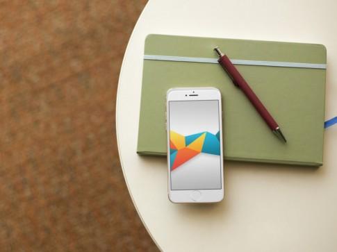 Wallpaper hình khối đủ màu sắc dành cho iPhone