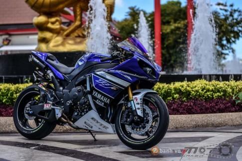Yamaha R1 hút hồn trong bản độ Racing Street