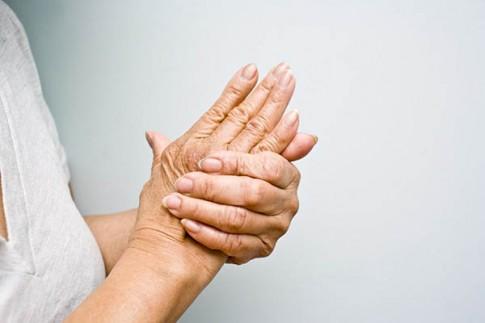 10 dấu hiệu cảnh báo nguy hiểm của bệnh cột sống cần đi khám ngay