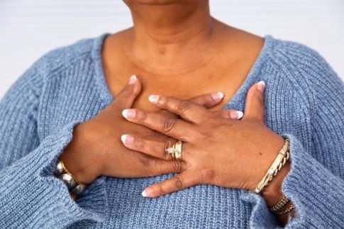 7 dấu hiệu báo trước một cơn đau tim