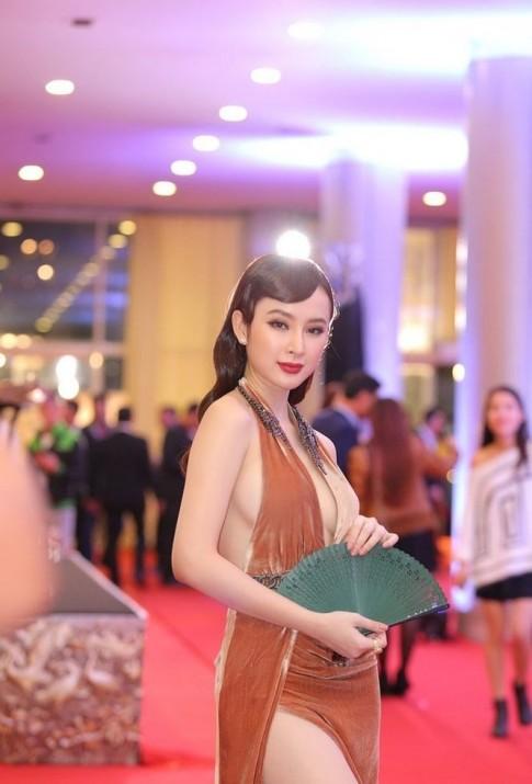 Angela Phương Trinh công phá showbiz bằng gu thời trang khoe 'siêu vòng 3' nhiều đến phát ngán