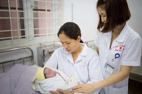 Bệnh viện Đa khoa Sóc Sơn- Hà Nội đỡ đẻ thành công ca sinh tự nhiên 5,2 kg