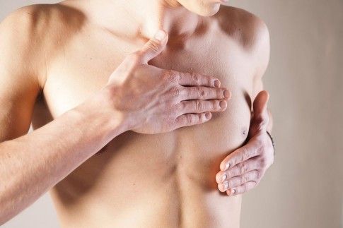 Cẩn trọng với ung thư vú ở nam giới