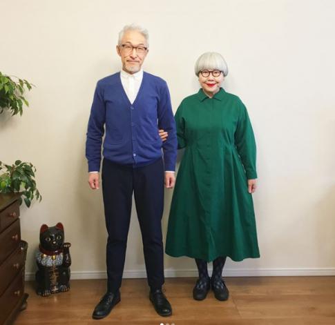 Cặp vợ chồng U70 Nhật suốt 37 năm hạnh phúc và style diện đồ đôi khiến giới trẻ kinh ngạc
