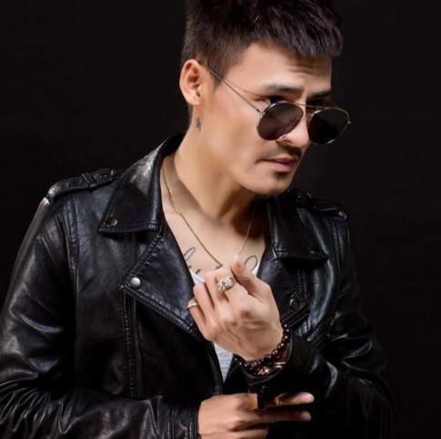'Chàng trai hot nhất mạng xã hội' Hoa Vinh thu hút triệu fan girl với phong cách 'bad boy' không đụng hàng