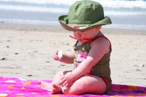 Cho con đi biển và những lưu ý cha mẹ cần biết