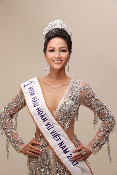 Đã tìm ra bí kíp giúp tân Hoa hậu H'Hen Niê 'tỏa sáng trọn đời'
