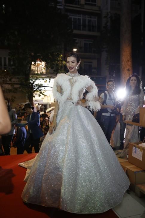 Dàn sao Việt 'càn quét' thảm đỏ Chung kết Next Top Model All Stars