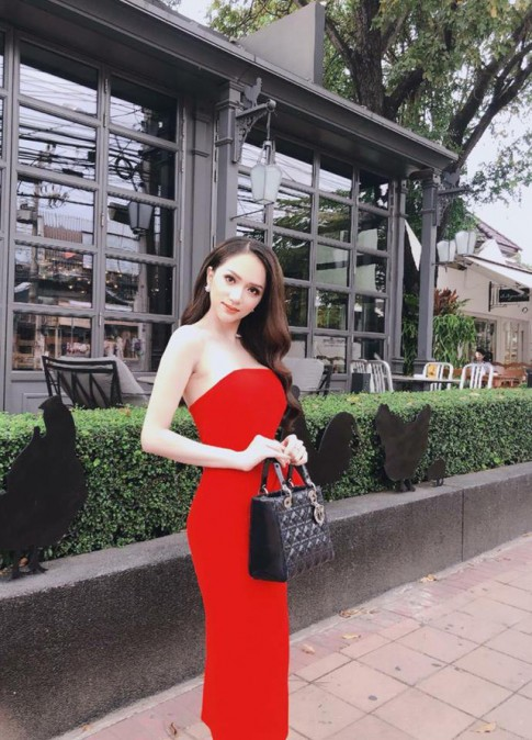 Đây là 6 bộ cánh giúp Hương Giang Idol ghi điểm tuyệt đối tại Hoa hậu Chuyển giới quốc tế năm nay
