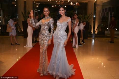 'Đụng hàng' Hoa hậu Đại dương, Hoàng Thuỳ lép vế hơn hẳn vì vòng 1 lép kẹp
