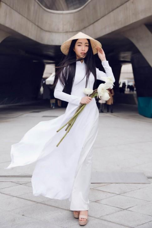 Hành trình tỏa sáng của Nàng thơ xứ Huế Ngọc Trân tại Seoul Fashion Week