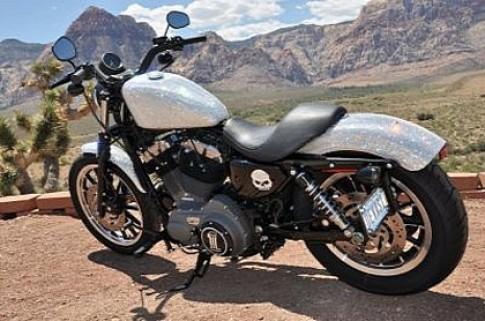 Harley Davidson gắn pha lê Swarovski