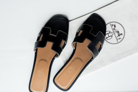 Hermès Oran sandals - 'Đôi dép không bao giờ lỗi mốt' hứa hẹn gây bão hè này