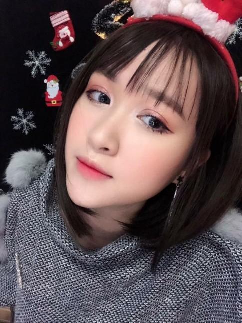 Học lỏm cách make-up vào hè của 9X xinh đẹp Hà thành