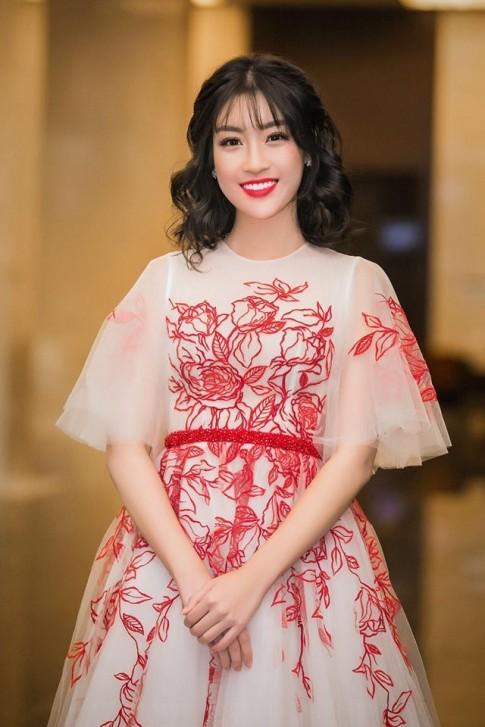 Học sao Việt cách để tóc mái thưa, trẻ trung và đáng yêu bất ngờ