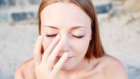 Mắt tổn hại nghiêm trọng chỉ vì những thói quen không ngờ