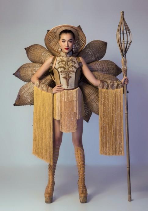 Nghi án hàng loạt mẫu dự thi thiết kế trang phục dân tộc đạo nhái ý tưởng từ 'Nàng mây'
