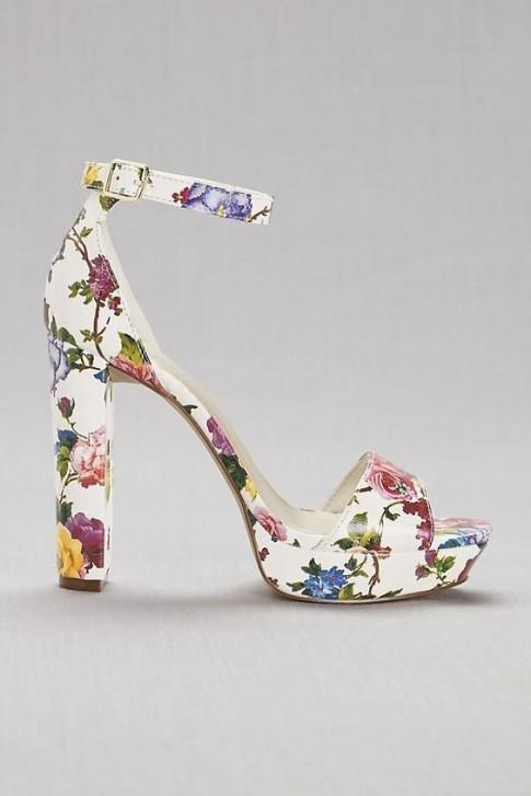 Những đôi giày lấy cảm hứng từ hoa cỏ mùa xuân khiến nàng nào cũng phải thích mê
