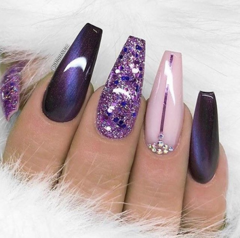 Những mẫu nail tuyệt đẹp nhất định bạn phải thử cho mùa Valentine năm nay