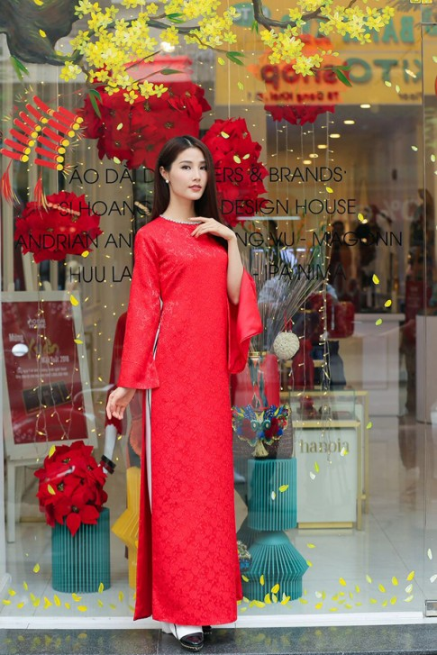 Sao Việt xúng xính áo dài trước thềm năm mới