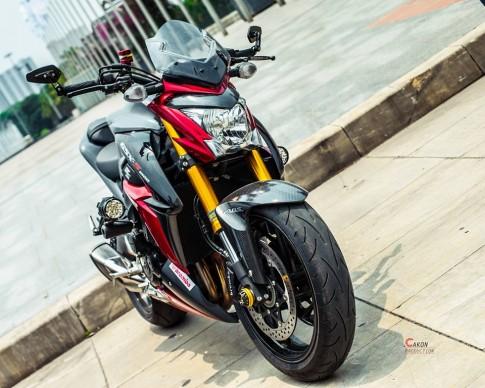 Suzuki GSX-S1000 với bản độ đầy ấn tượng của biker Hà Thành