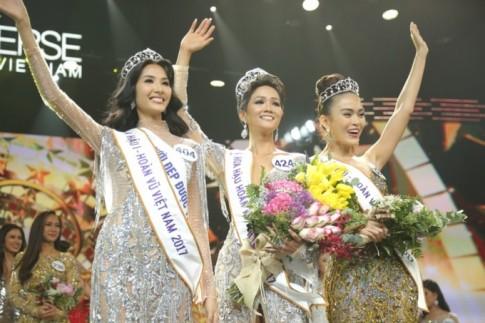 Tân Hoa hậu Hoàn vũ H'Hen Niê sau đêm đăng quang 'làm ơn để ngay tóc dài'!