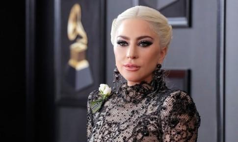 Thảm đỏ Grammy 2018: Không phải các mỹ nhân mà những bông hồng trắng mới là tâm điểm năm nay