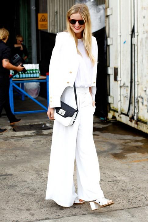 Thời trang cuốn hút, nổi bật chỉ với trắng và đen